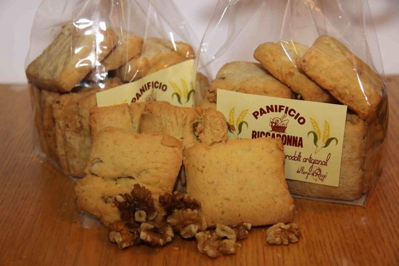walnuts-rango-biscuits